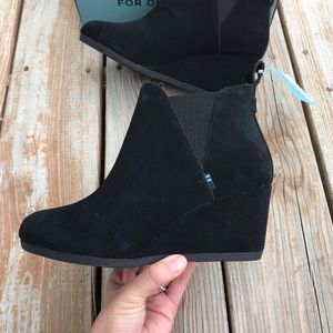 Toms Kelsey ankle boot black suede 7.5